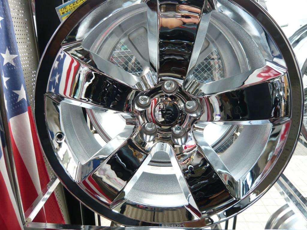 Wheel Replicas クロームアルミホイール