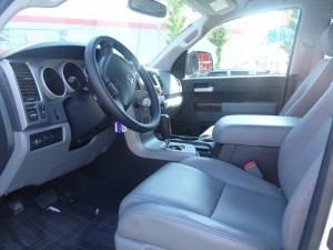 入庫。トヨタ タンドラ リミテッド クルーマックス 4WD